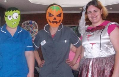 Diagrama Foundation: Edensor staff and residents enjoy Halloween fun
