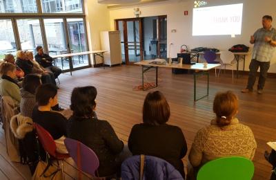 Workshops explaining the Gentle Art Living Art methodology
