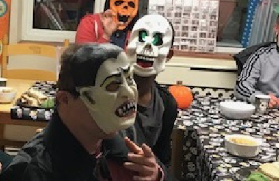 Diagrama Foundation: Cabrini residents dress up for Halloween