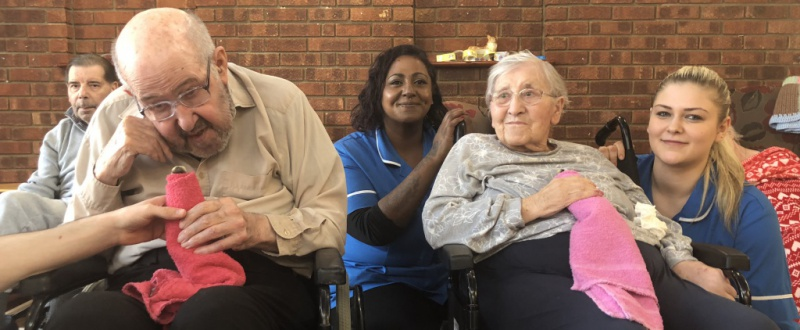 Diagrama Foundation residents at Edensor Care Centre receive a visit from Pygmy goats and chicks