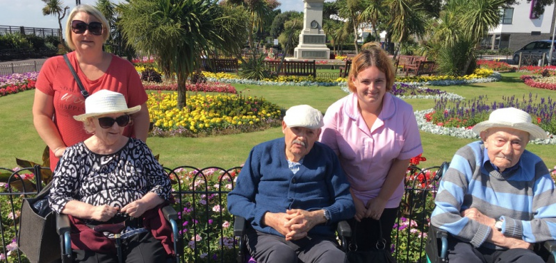Edensor Care Centre residents enjoy a day at the beach hut