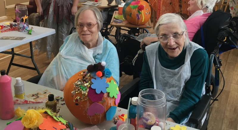 Diagrama Foundation: Edensor residents enjoy Halloween fun